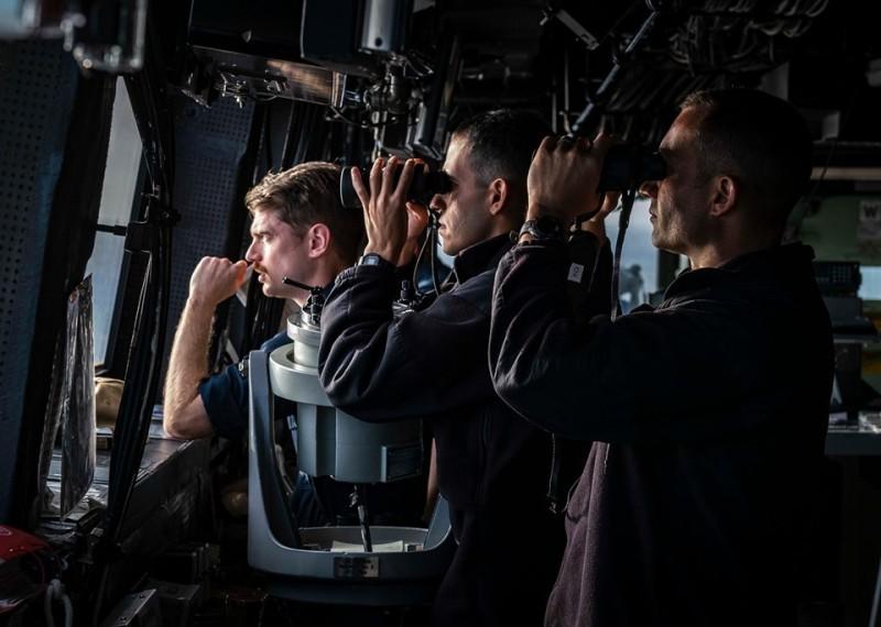 美國海軍計劃2021年在太平洋部署可於空中、水面與水下操作的大型無人艦機。美軍機頻繁於南中國海偵察之際,兩艘滿載排水量上萬噸的巨艦現身南中國海海域執行任務。圖為示意圖。(公有領域)