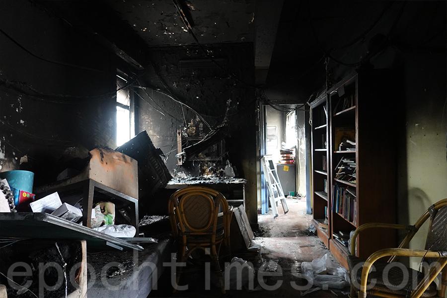 位於尖沙咀重慶大廈的基督教勵行會難民服務中心在8月29日發生二級火警,因冷氣機老化而引發火災。(曾蓮/大紀元)