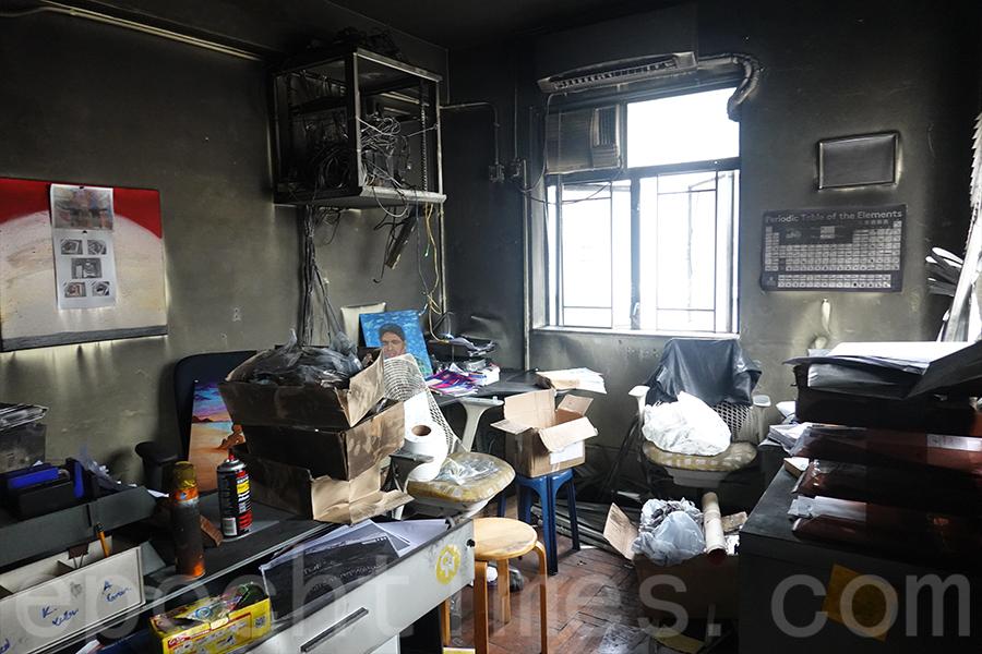 火災後的辦公室。(曾蓮/大紀元)