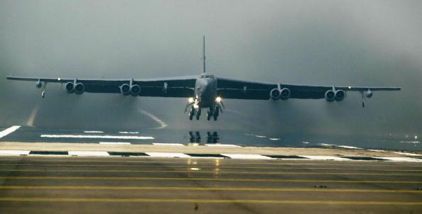 美國空軍將斥資133億美元研發下一代洲際彈道導彈。正提升B-52轟炸機標配設備,升級後的B-52轟炸機更加可怕。圖為美國空軍B52轟炸機。(Getty Images)