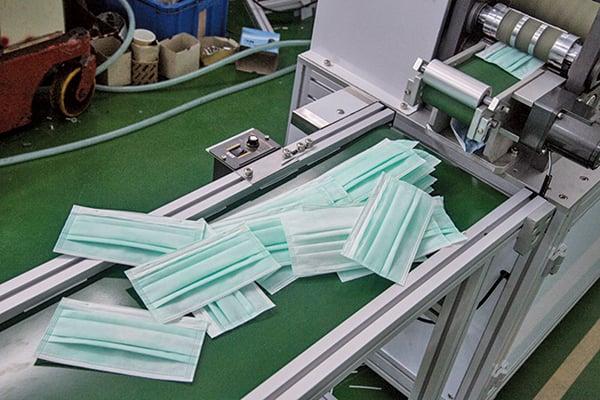 海外客戶對中國製造有疑惑,更信任「香港製造」的品質,香港口罩本身的生產工藝,生產水平及標準達到客戶國家的標準要求。示意圖。(中央社)