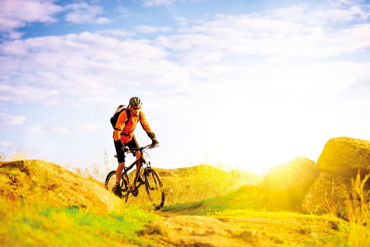 生活和工作很像騎單車,必須先打破平衡才能轉彎。