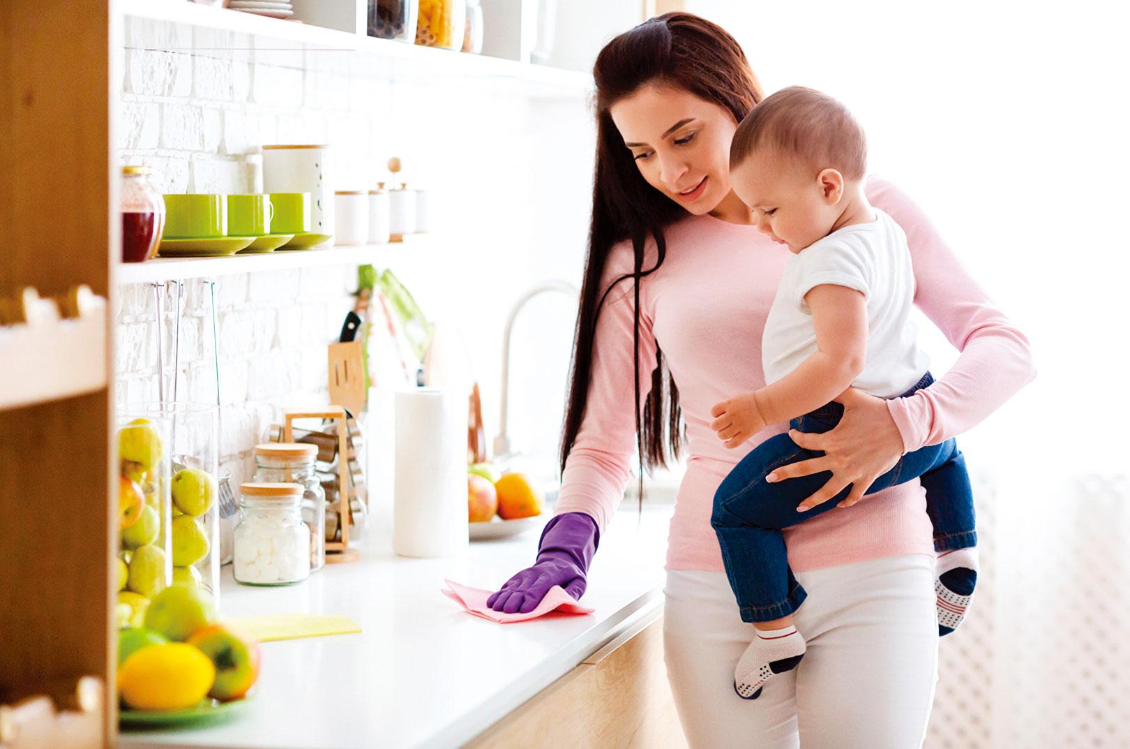 母親必須付出許多時間在孩子身上,勢必會改變生活的型態。