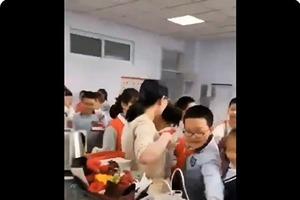 教師節送禮引熱議 網民:應改為受賄節