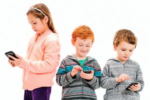 強制五個孩子戒網癮  結果震驚媽媽