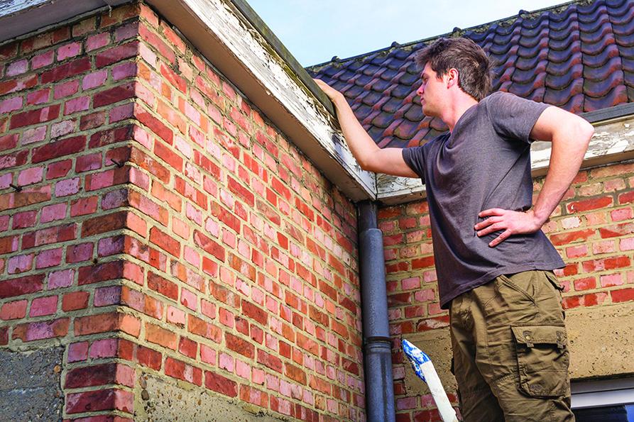 翻修屋頂前應先仔細檢查屋頂的現況,再擬定適合的調整方案。