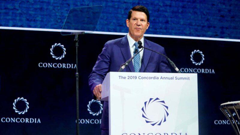 美國國務院次卿基思・克拉奇(Keith Krach)於2019年9月24日在紐約市紐約君悅酒店出席Concordia年度峰會時發表演講。(Riccardo Savi/Getty Images for Concordia Summit)