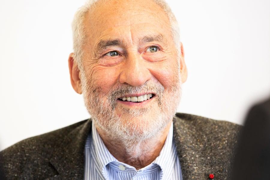 諾獎得主Joseph Stiglitz:合作的前提是香港擁有民主