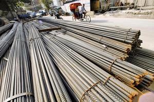 一噸鋼換不到3斤肉 陸鋼材下跌81%