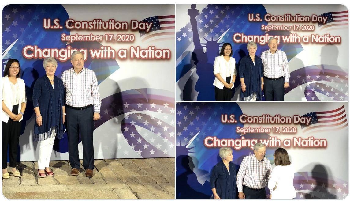 709律師妻子許豔9月17日出席美國駐華大使館的憲法日活動,與美駐華大使布蘭斯塔德(Terry Branstad)夫婦合影,並呼籲關注余文生案。(網絡截圖)