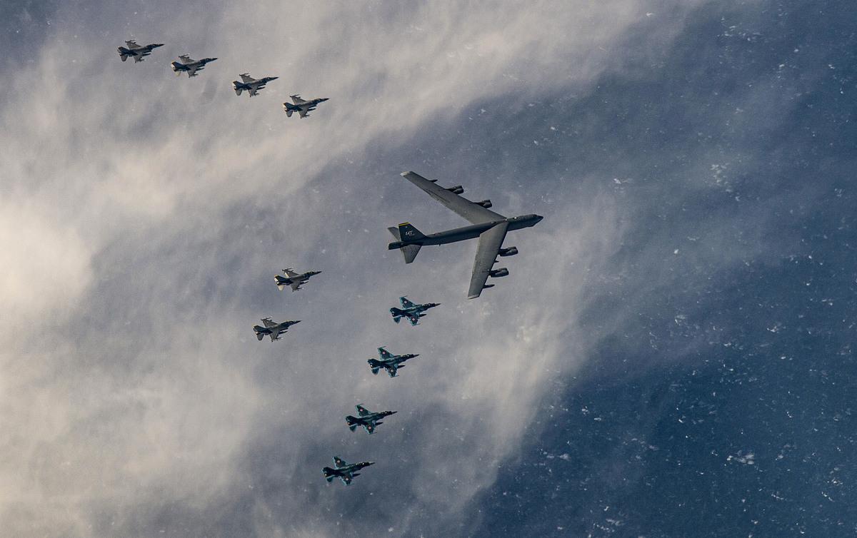 聯合軍演中的美日空軍戰機。(USAF)