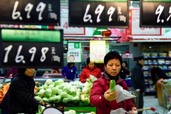 大陸今年前八個月消費增長為負數。(STR/AFP/Getty Images)