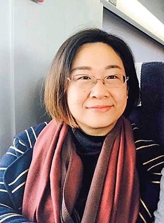 709律師李和平之妻王峭嶺被便衣強行帶走。(推特圖片)