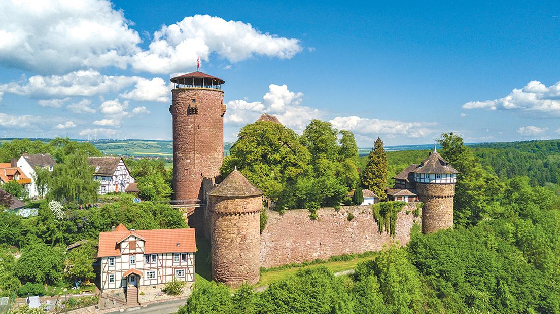 特倫德爾城堡是囚禁長髮公主的地方。