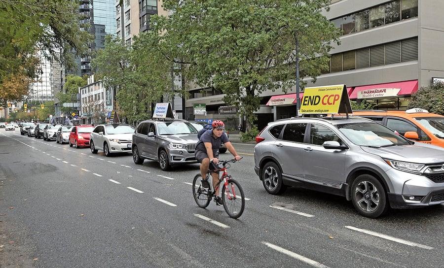 溫哥華「終結中共」汽車遊行 華裔讚揚