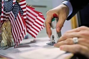 特朗普政府擬收緊僱外勞程序 H-1B更難申請