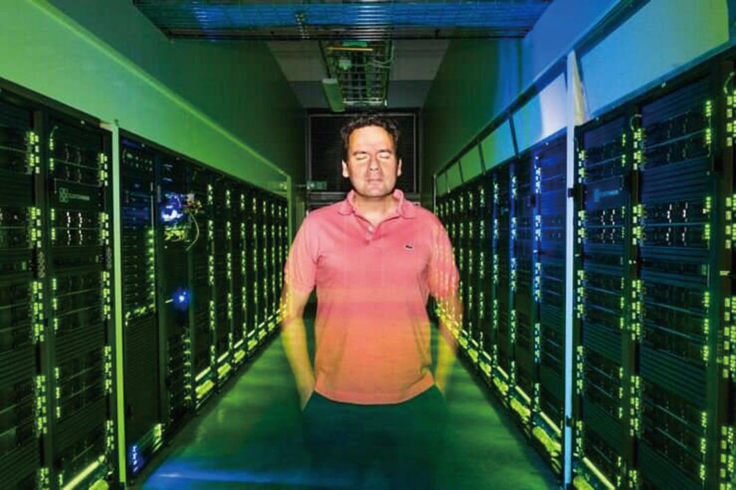 林雪平大學計算物理學教授杜比和他的研究組利用澳洲國家超級電腦中心的計算能力發明了一種新型分子,可有效吸收並儲存太陽能。(瑞典林雪平大學)