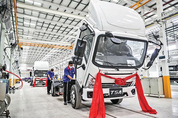 中國江蘇淮安的一家比亞迪裝配廠。(Getty Images)