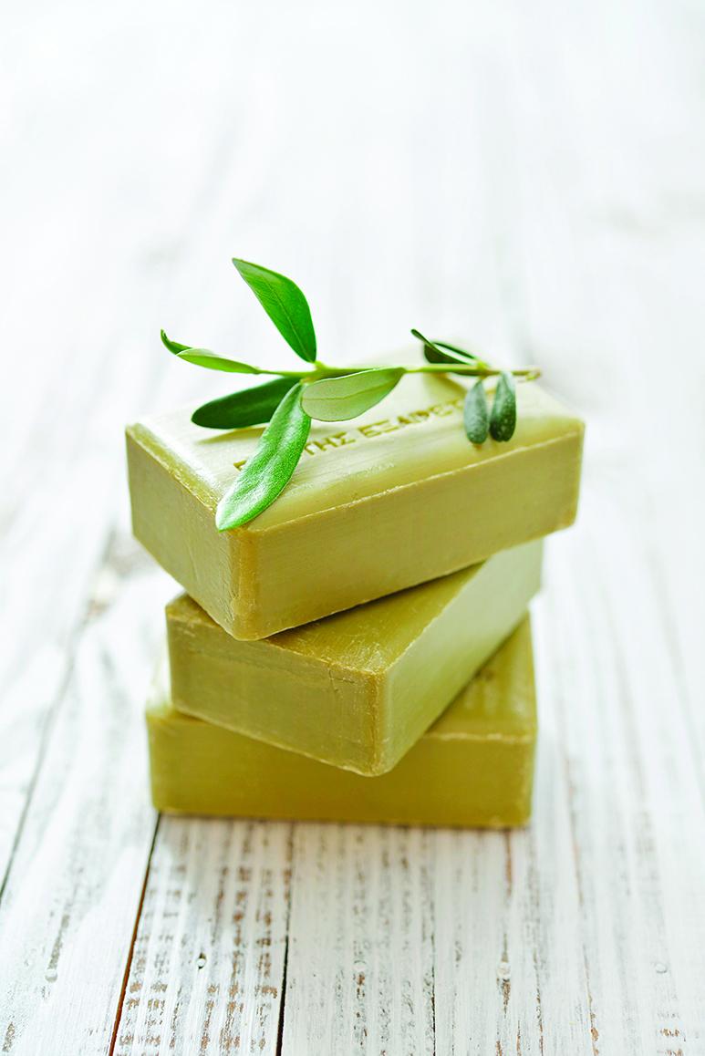 橄欖皂是用橄欖油等油脂製成,溫和無毒,而且清潔力佳。