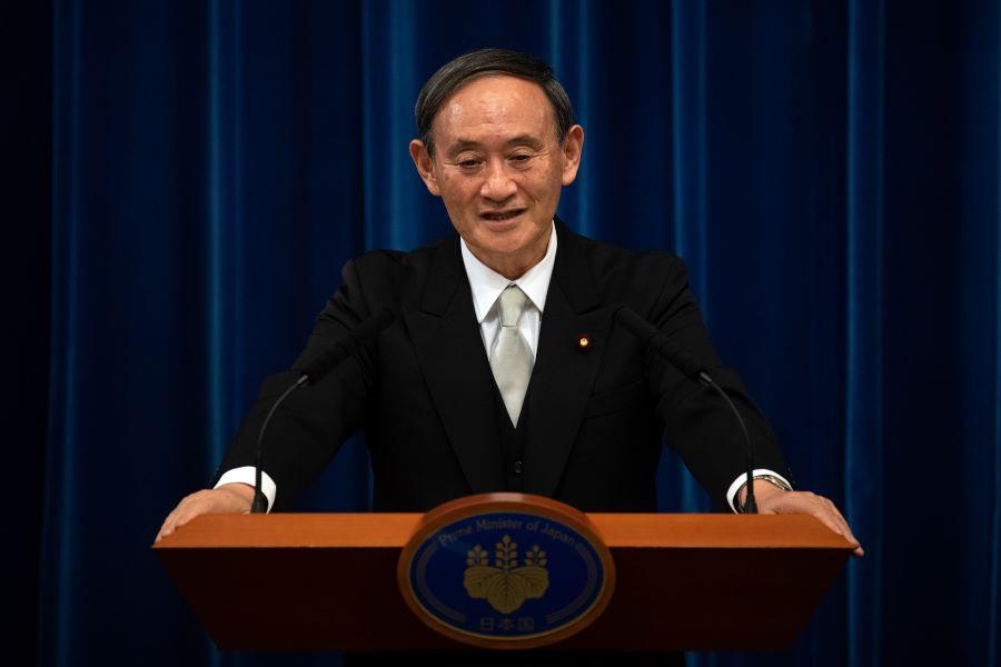 2020年9月16日,日本新任首相菅義偉在東京出席其作為首相的首次新聞發佈會。9月16日,前任內閣官房長官菅義偉成為日本新任首相。(Carl Court / AFP)