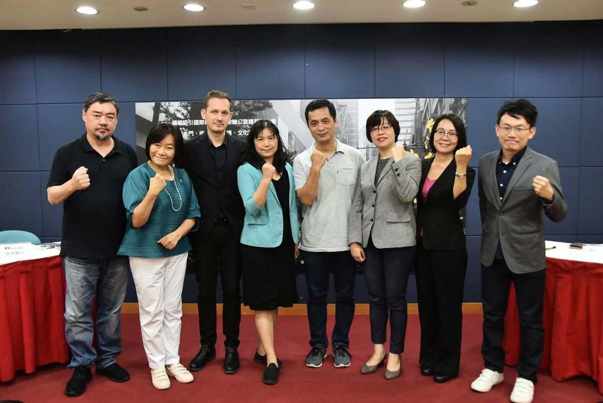 9月25日,台灣新聞記者協會、無國界記者組織等聯合舉辦「台灣記者撐香港—台灣如何幫助國安法陰影下的香港」座談會。(台灣新聞記者協會 Facebook)