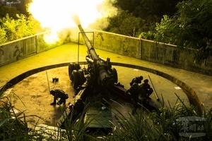 美中反潛暗戰 台軍演習反登陸 砲王實彈震撼射擊