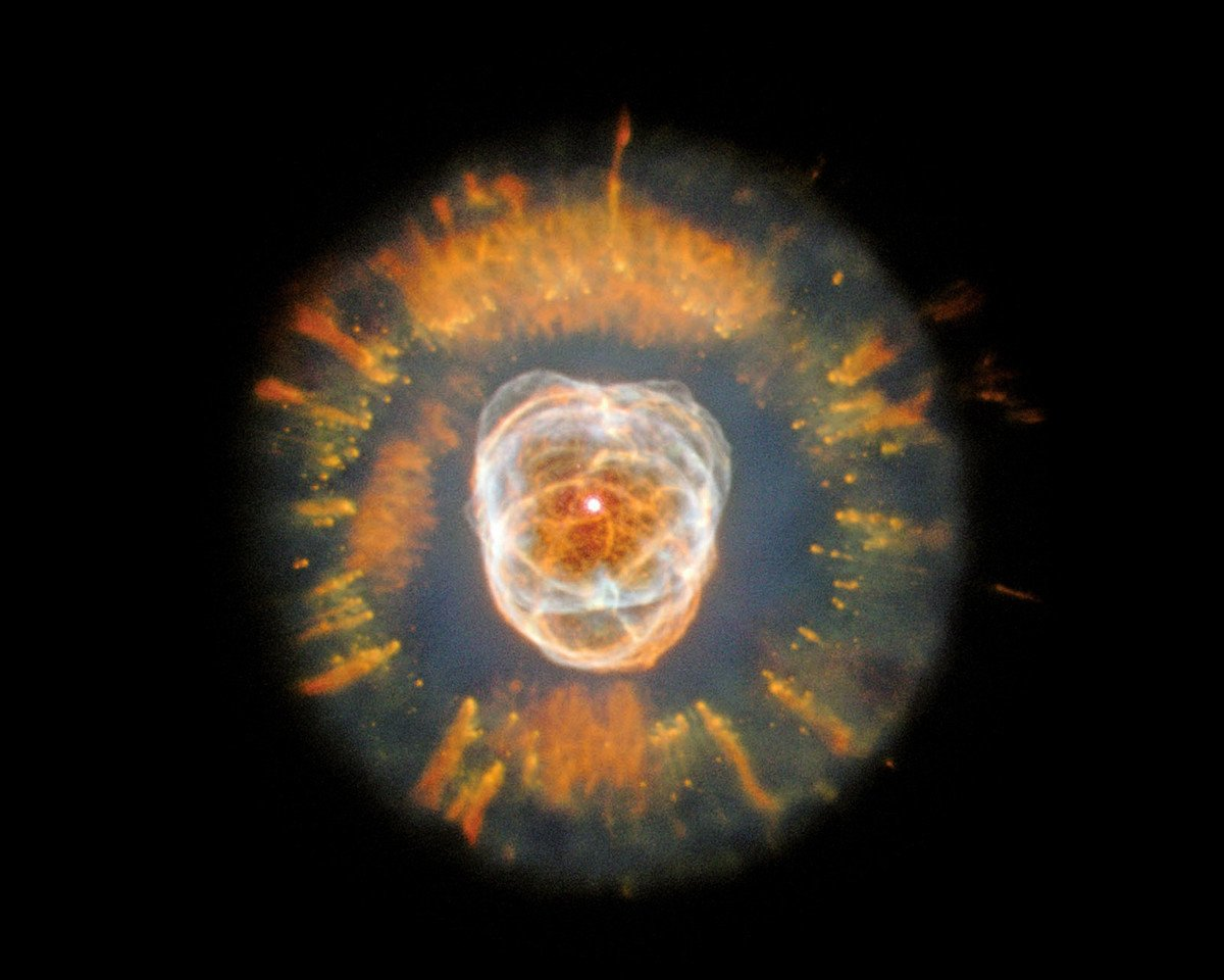 行星狀星雲NGC 2392。(NASA)