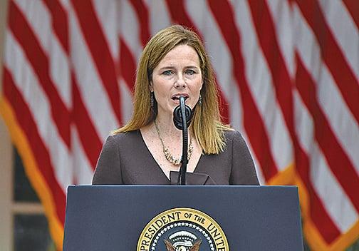圖為特朗普的大法官提名人巴雷特(Amy Coney Barrett)9月26日在提名會上發表演說。(AFP)