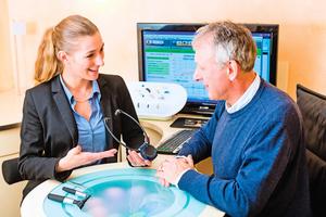 了解輔聽器與助聽器的差別 選擇最適合的聽力輔具