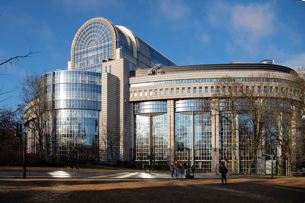 新研究披露,過去十年中企在歐洲的收購潮,中共政府一直深度介入。圖為位於比利時布魯塞爾的歐洲議會大樓。(Leon Neal/Getty Images)