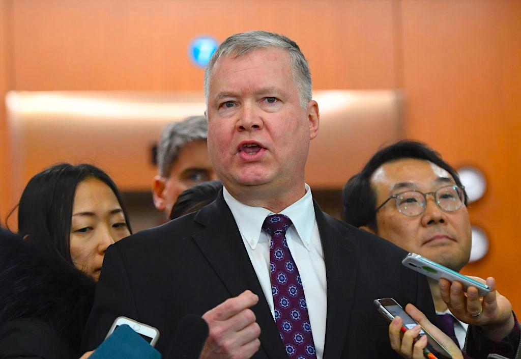 國際環境變化、日趨增加的中共威脅,令美國欲於亞洲組建小北約的條件更成熟。日本剛上任的菅內閣新防衛相岸信夫說,正考慮一種海上新型反導系統以替代「陸基神盾」方案。圖為美國副國務卿斯蒂芬比根(Stephen Biegun)。(JUNG YEON-JE/AFP/Getty Images)