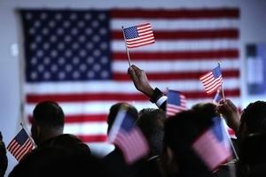 突發!美國移民局最新通知 禁止共產黨員移民