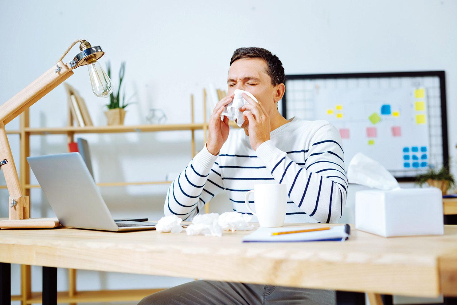 空氣品質不佳時,容易讓人鼻子過敏。(Fotolia)