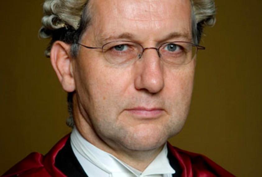 英國最高法院副院長賀知義勳爵。(英國最高法院網站)