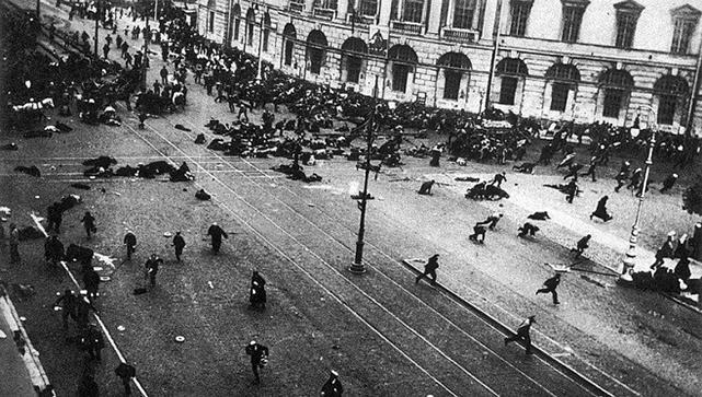 「十月革命一聲炮響」原是政變