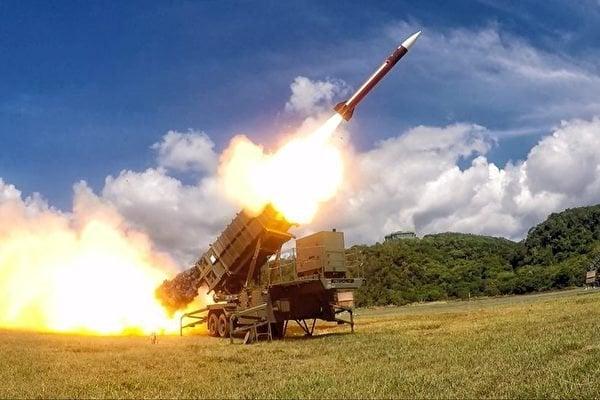 台灣中科院10月14、15兩日,將再試射「無限高」中程導彈。圖為導彈資料照。(青年日報提供)