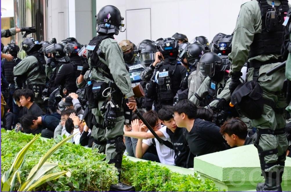 香港特務警察增至1200人,民權觀察批評香港警察「軍事化」增加抗爭者壓力。(大紀元資料圖片)