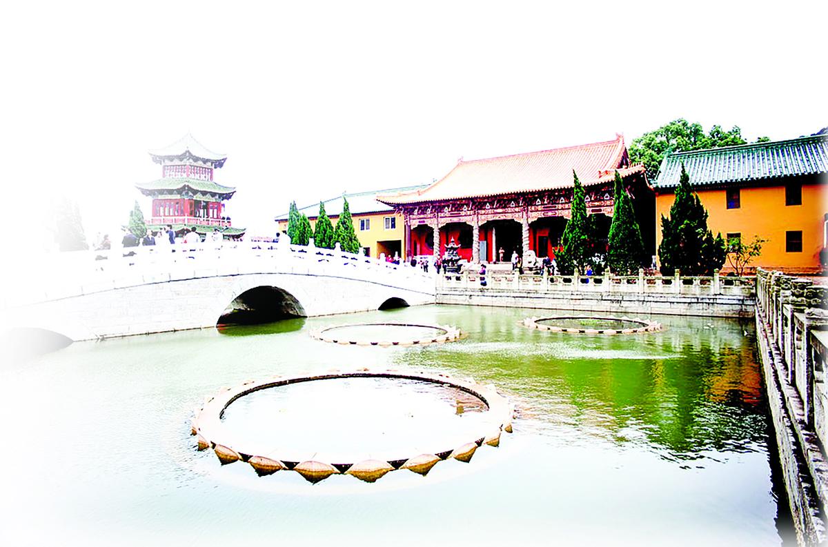 江西東林寺內的蓮池。(Gisling-Wikimedia Commons)