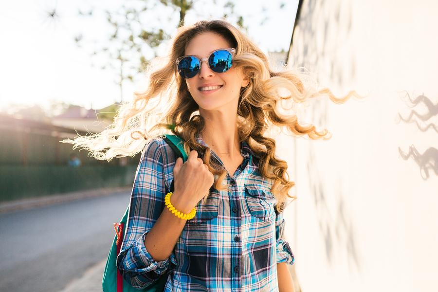 藍色鏡片恐致白內障? 選購太陽眼鏡  應注意三件事