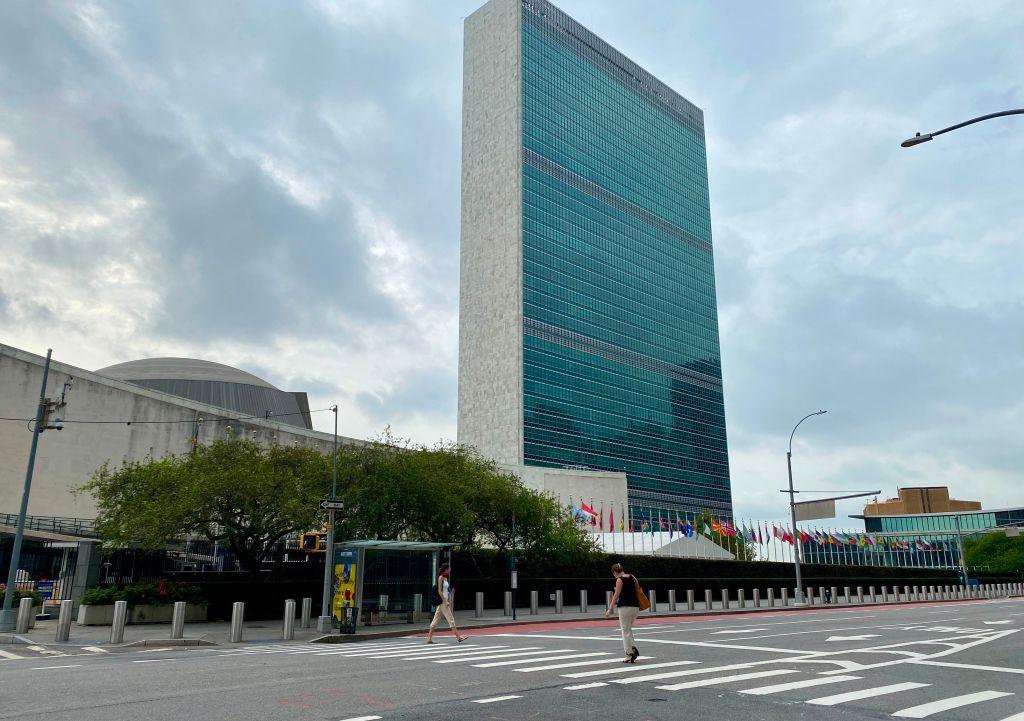 中共在聯合國糾結了25個國家,共同攻擊美國等西方國家侵犯人權。民權人士批評聯合國淪為「惡人俱樂部」。圖為聯合國總部。(DANIEL SLIM/AFP via Getty Images)