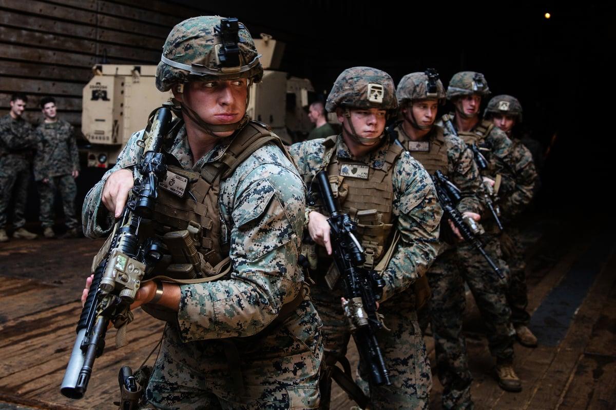 即將與美國海軍第七艦隊進行聯合軍演的海軍陸戰隊隊員。(U.S. Marine Corps)