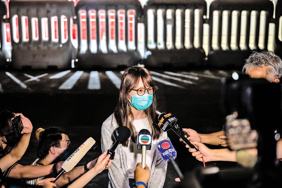 抵抗暴政被捕4次 網友認為周庭是真正花木蘭