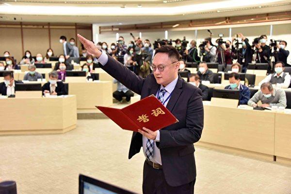 前高雄市新聞局長、國民黨文傳會副主委鄭照新。(高雄市政府提供)