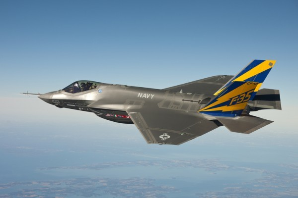 圖為F-35C在2011年測試時試飛的照片。(U.S. Navy photo courtesy Lockheed Martin via Getty Images)
