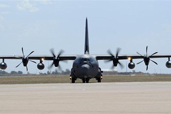 圖為美軍MC-130J特戰運輸機。(美軍網頁www.af.mil)