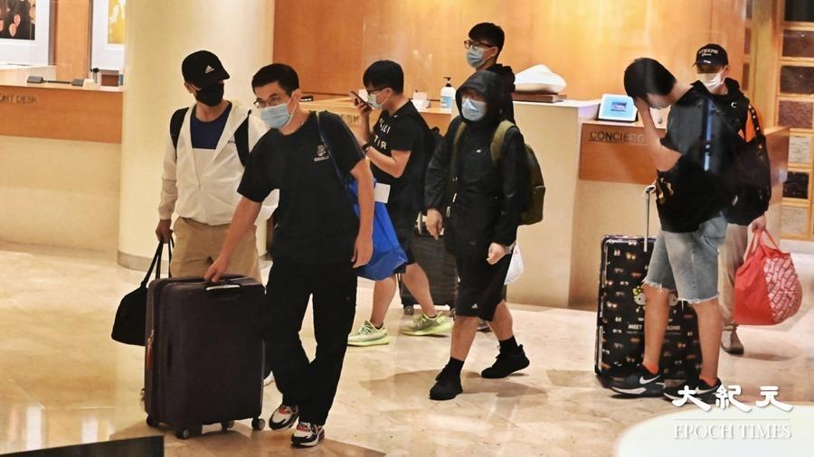 【圖片新聞】尖沙咀帝苑酒店職員爆疫 中午前須全部撤離