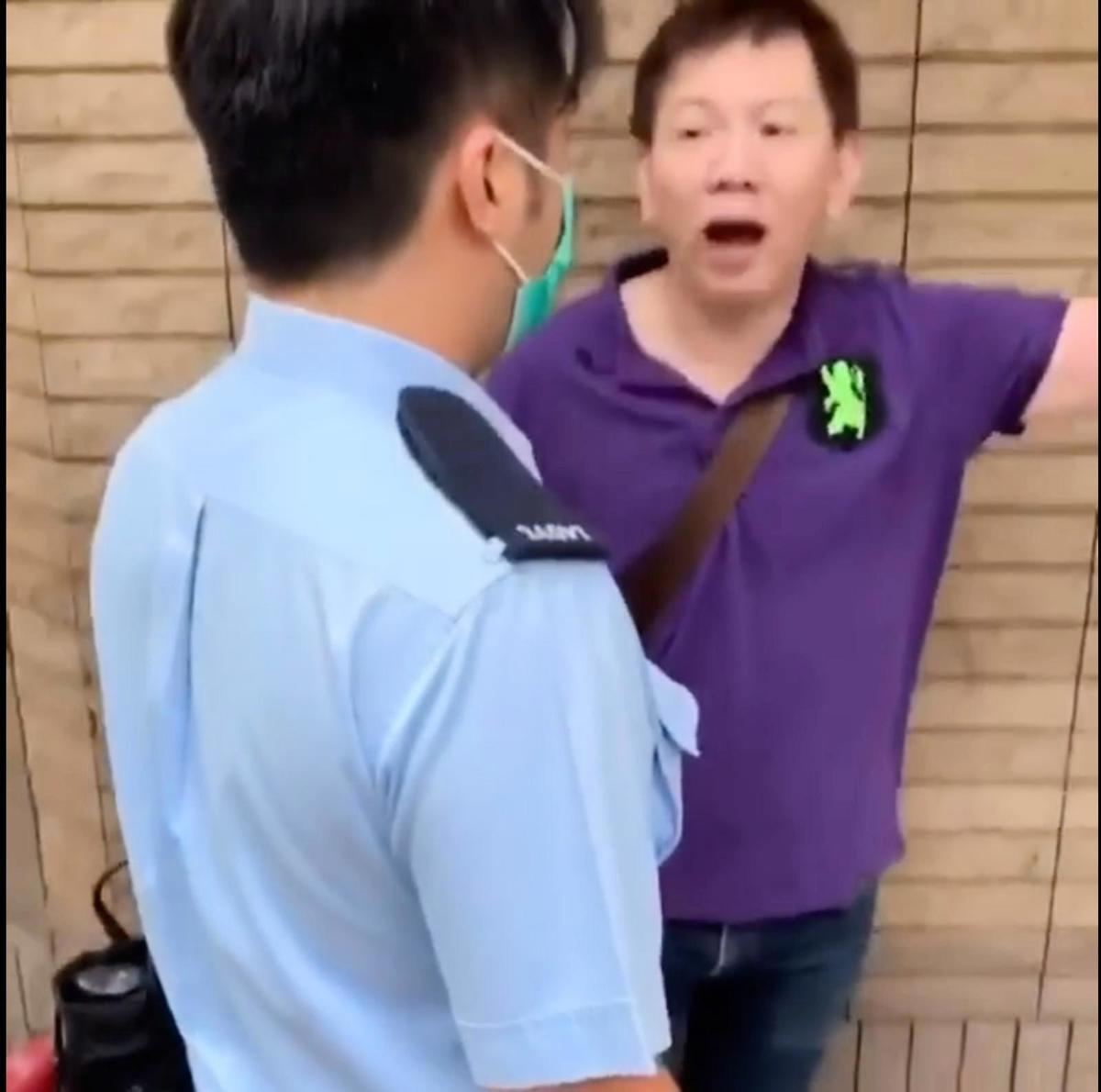 案中首被告尹載道在警員到場後,竟以不客氣的態度命令警員拘捕劉家衡男秘書。(南昌北 劉家衡 Facebook 影片截圖)