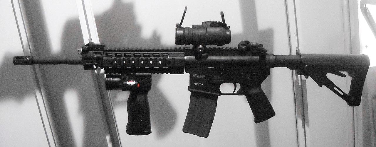 美國西格紹爾16型精確射手突擊步槍。示意圖。(維基百科)