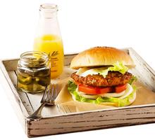 早午餐最佳減脂輕食 厚切雞肉豆腐漢堡