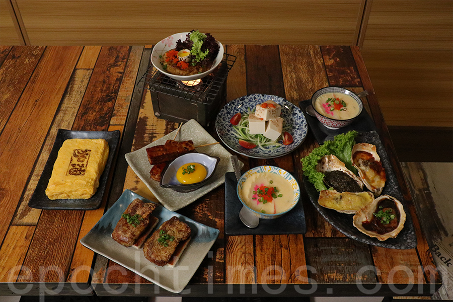 所有的餐點都是即叫即做,希望能保證食物品質。(陳仲明/大紀元)